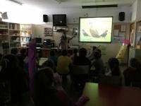 Educación ambiental. Enseñando la importancia de mantener las poblaciones de buitres. C.P. Maestro Pedro Vera, Oliva de la Frontera.