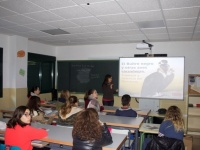 Talleres de educación ambiental para concienciar a los escolares sobre la importante labor de las aves necrófagas. IES Virgen de Gracia, Oliva de la Frontera, Badajoz